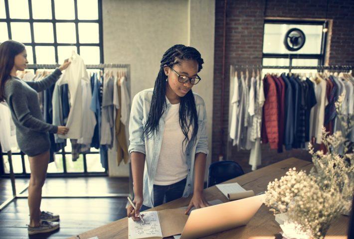 fashion shops fittings choosing