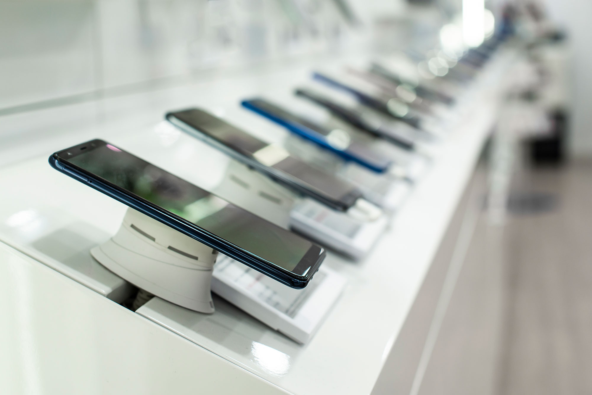 cellphone shop fittings