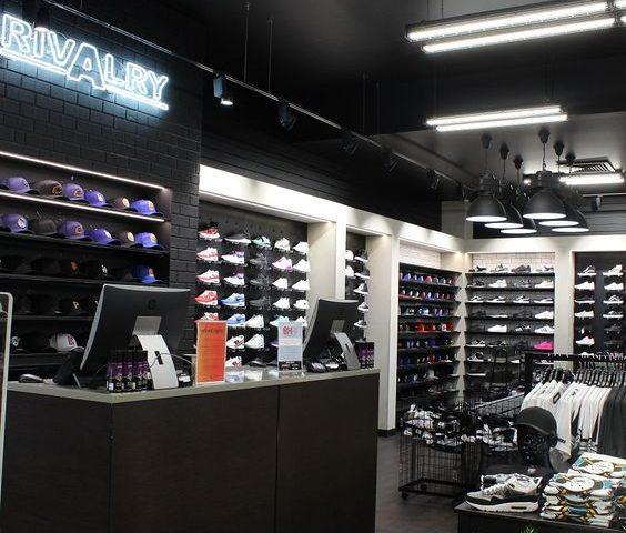 shopfittings for fashion store